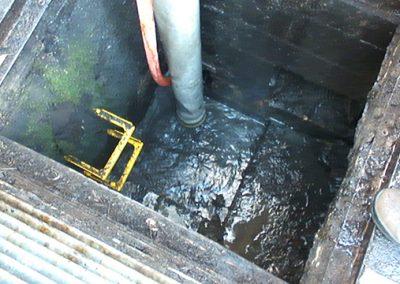 vacuum-loading-pit-clean-3-lge
